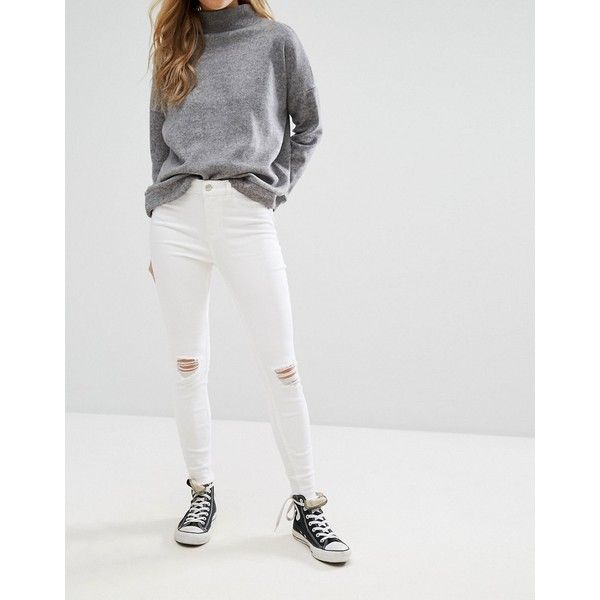 New Look Distressed Knee Skinny Jeans (710 MXN) ❤ liked on Polyvore featuring jeans, destroyed knee jeans, cut skinny jeans, skinny leg jeans, skinny fit denim jeans and skinny jeans
