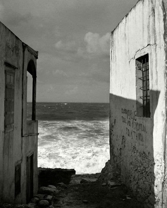 thoughtviolenty:   Herbert List GREECE. Crete. Near Heraklion. 1937.   run away to the south