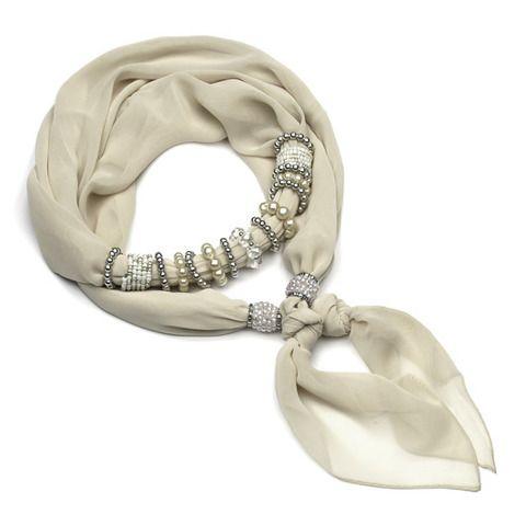 Тонкий шарфик-ожерелье не только украсит Ваше декольте, но и согреет в прохладные вечера. Бижутерная составляющая изготовлена из качественного гипоалергенного металла и легкого французского пластика. Благодаря использованию облегченных материалов шарф удобен и необременителен в носке, а бижутерная составляющая не утяжеляет ткань. ЦВЕТ СВЕТЛО БЕЖЕВЫЙ!