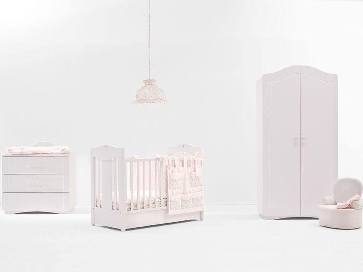 Nanan ofera o colectie originala de camere pentru copii. Combinatia de culori traseaza noile tendinte din moda pentru amenajarea camerei bebelusului. Tags: Camera copilului