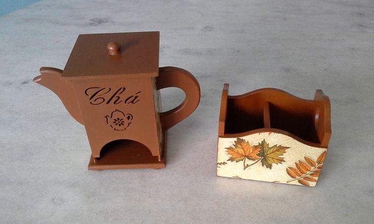 Bule porta chá marrom e porta açúcar/adoçante com duas divisórias . www.elo7.com.br/esterartes