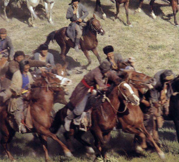 Кокпар - самая азартная конная игра в Средней Азии и Казахстане, в ней участвуют сотни всадников. Эта игра требует от лошадей исключительной  силы и выносливости