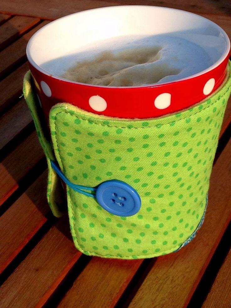 sewbeedoo: DIY - Easy Peasy cup cosy. Website in German but translates ok. Free pattern download