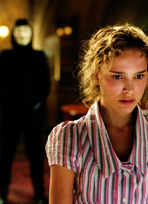 Hugo Weaving, Natalie Portman - V For Vendetta