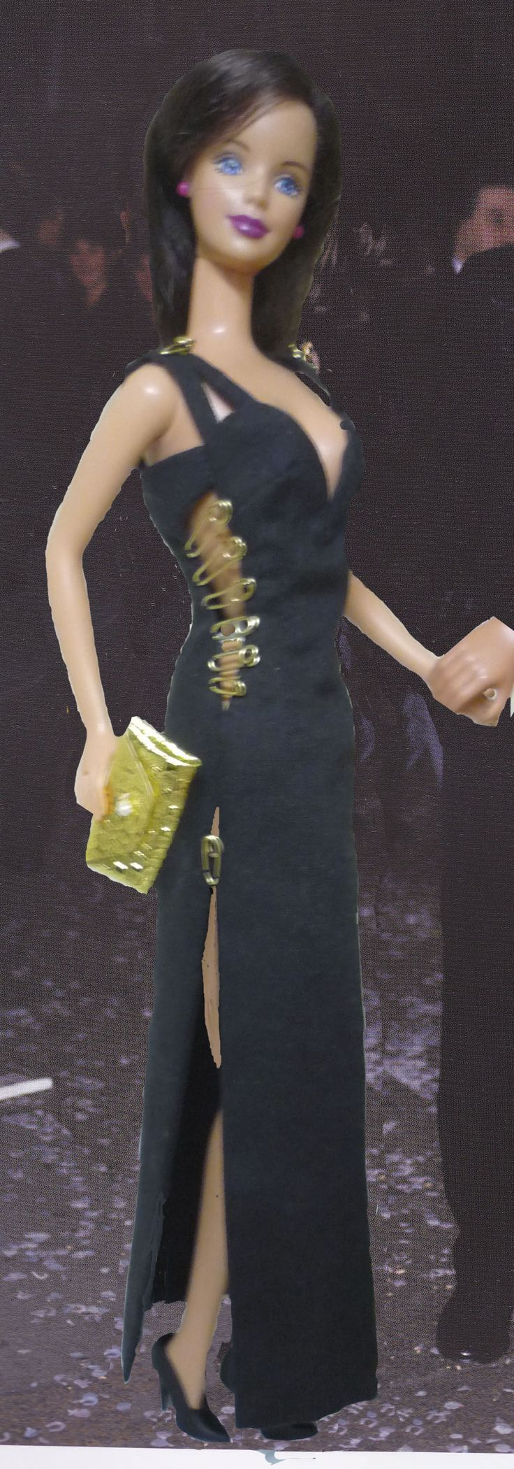 Liz hurley versace dress - Liz Hurley Versace Safety Pin Dress