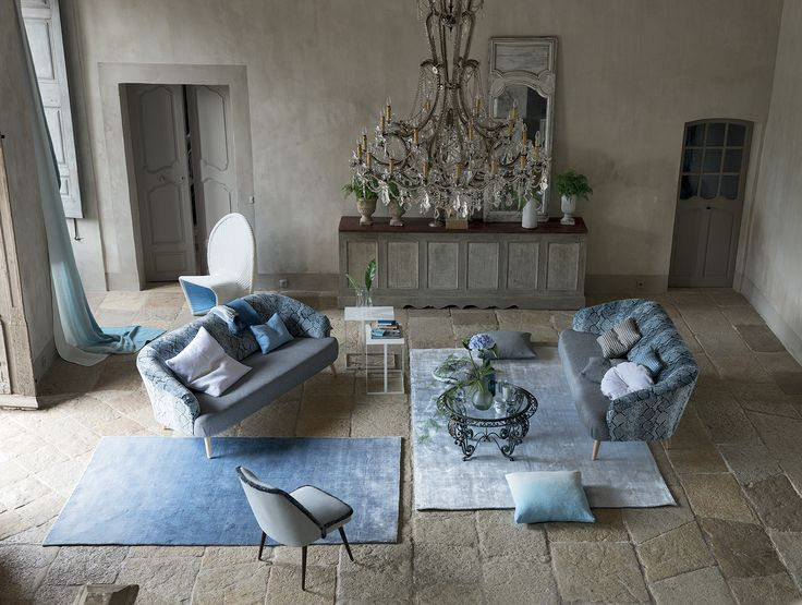 silky textures in shades of delft and sky blue. http://www.designersguild.com/uk-shop-online/shop-home/home-accessories/rugs/phipps-sky#.UTXY6hl58rg