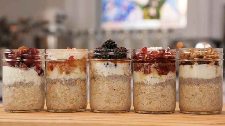 5 MORE Overnight Oatmeal Recipes by The Domestic Geek