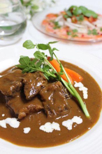 お肉がホロホロ!手間暇かけた味をあっという間に作れる圧力鍋レシピ ... 圧力鍋使用*絶品 牛肉の赤ワイン煮牛肉の赤ワイン煮も、