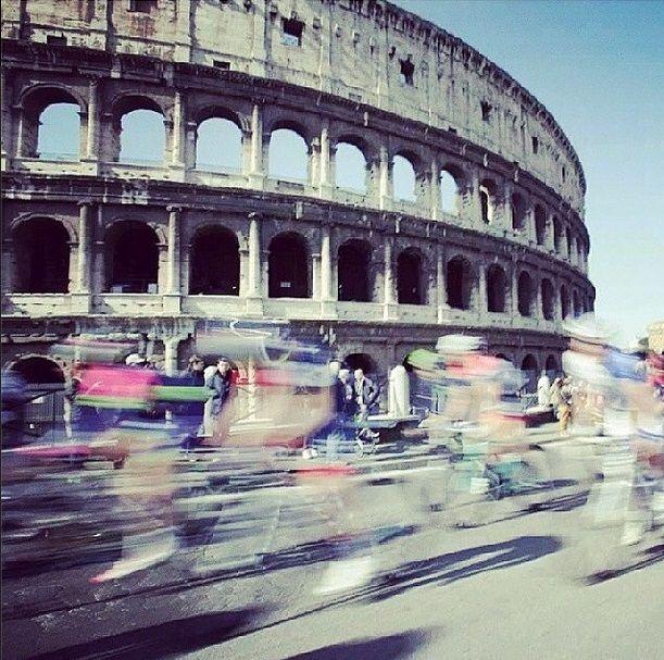 Que buena foto @Manuel Hernandez Roma ama il ciclismo