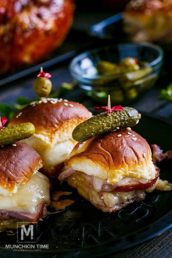 Hawaiian Ham and Cheese Sliders Recipe | Munchkin Time