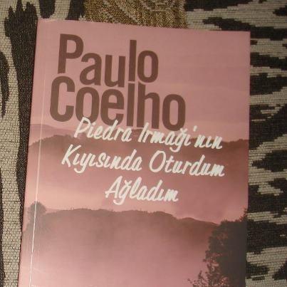 """""""Tanrı, güneşi her gün yeniden doğurarak, bizi mutsuz kılan her şeyi değiştirmemiz için zaman tanıyor bize...""""    -Paulo COELHO / Piedra Irmağının Kıyısında Oturdum Ağladım"""