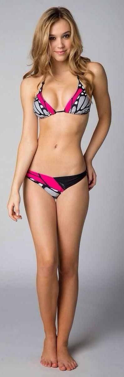 teen babe in bikini
