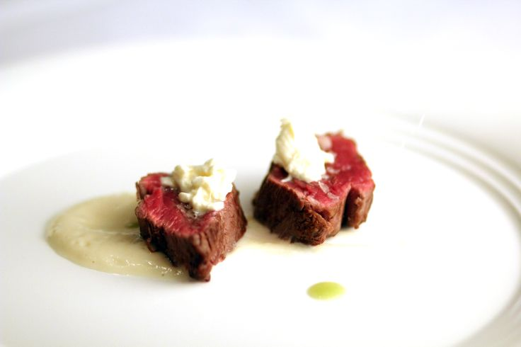 "Filet ""razza bianca modenese"": cauliflower, ""stracciatella""(soft cheese)"