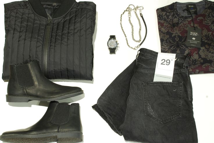 Dark influences Wool&Co sweater, M.Grifoni black denim, Selected jacket, Timex cronograph & Selected boots #georgesroma #darkinfluence #blackdenim #black