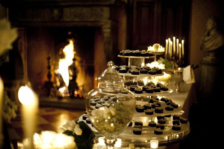 www.italianfelicity.com #winterwedding #wintermood #dessertable