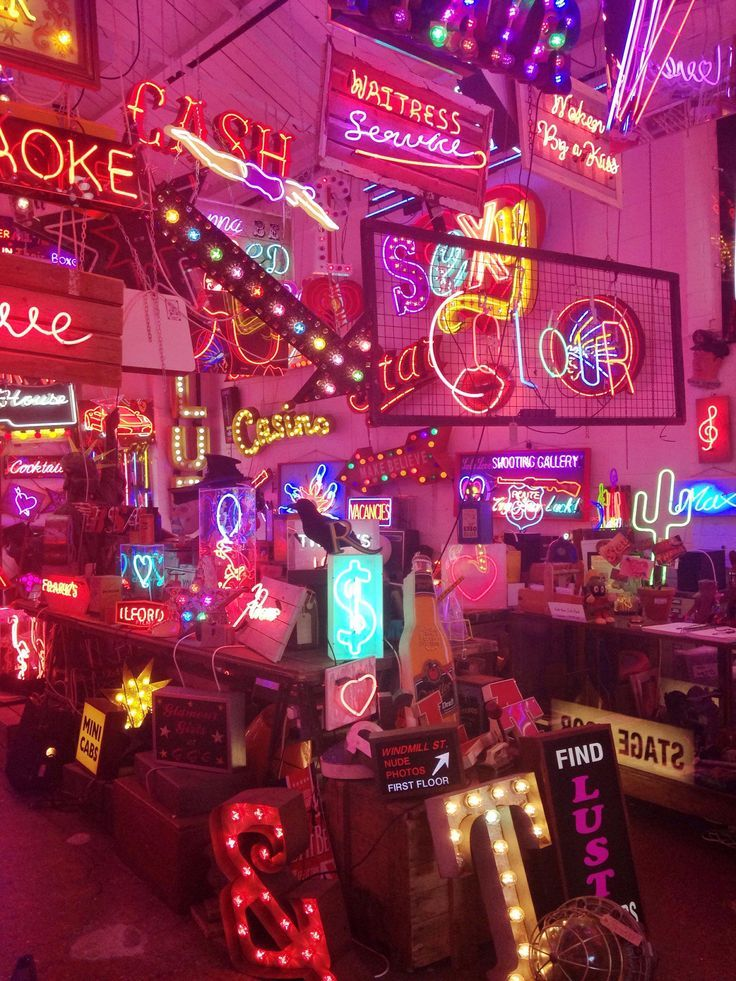 God's Own Junkyard | Wallpaper iphone neon, Neon, Neon ...