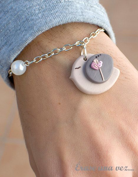 Hey, I found this really awesome Etsy listing at http://www.etsy.com/listing/103902136/sweet-bird-bracelet-polymer-clay