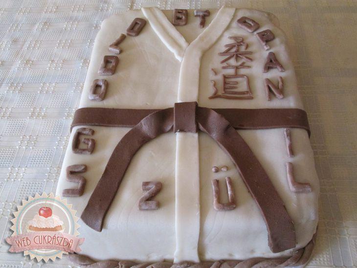 Csokoládés-tejszínes torta