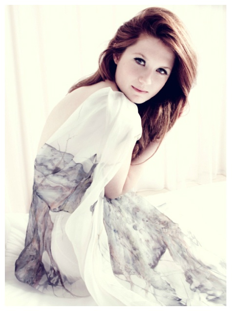I know, another Bonnie Wright, I promise I WILL post different people other than Bonnie, but first I will post 100 more of her (I LOVE her).