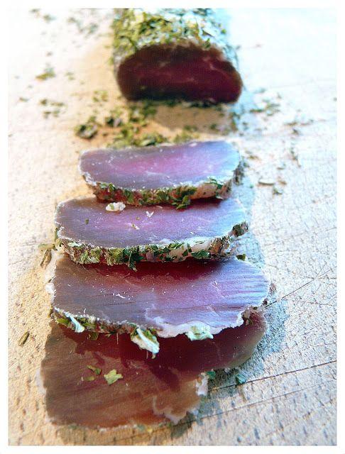 Flo bidouille en cuisine: Il est mignon et sec !!! Filet mignon de porc séché excellent   à l'apéro (ou pas !! ).
