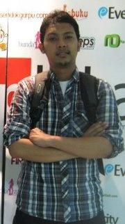 Pakar SEO Termuda - Sekarang Bramantya Farid Prakosa, Selanjunya?...    Yang Pasti saat ini Bukan saya.... So, baca artikel tentang Pakar SEO Termuda di Indonesia ini....