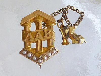 Estate ALPHA DELTA KAPPA FRATERNITY 10K Gold PIN Sweetheart PEARL 3g Green