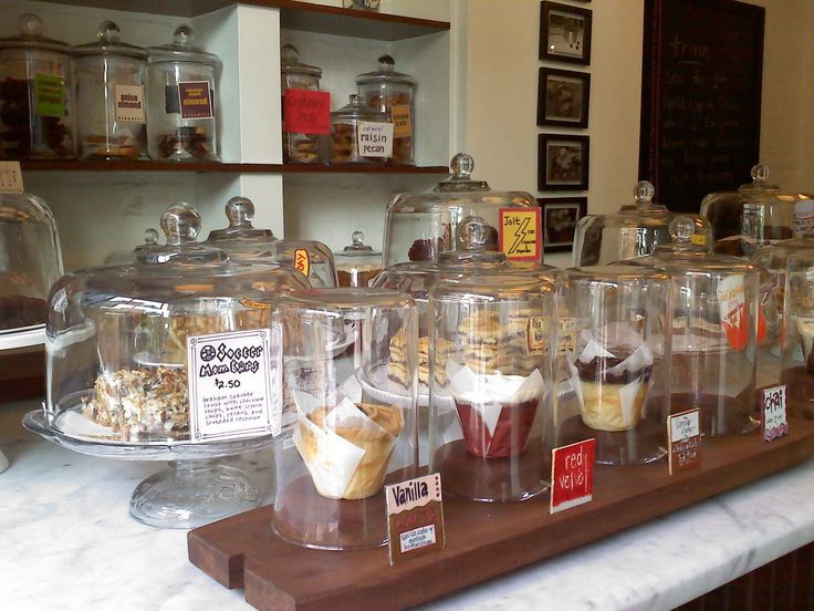FARMERS MARKET BAKED GOODS DISPLAY | Cupcake and other baked goods on display counter at Baked and Wires in ...