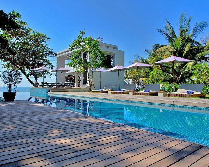 Centara Q Resort Rayong  - Rayong Thaïlande Sur la côte du Golfe de Thaïlande face à lOcéan Indien et sur une magnifique plage quatre somptueuses étoiles attirent notre curiosité. Pour un séjour romantique ou familial pour une escapade où luxe calme et dépaysements seront les maîtres mots VeryChic vous invite à découvrir le tout nouveau Centara Q Rayong . #VeryChic_hotels #Thaïlande #Luxe Hotels-live.com via https://www.instagram.com/p/BDyHxjIqu-v/ #Flickr