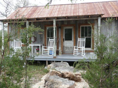 would be a great little front porch when we move to texas.  now if it looked out onto a lake
