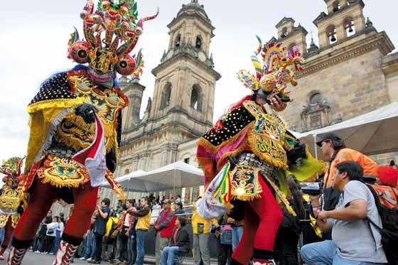The colourful Ibero-American theatre festival in Bogota