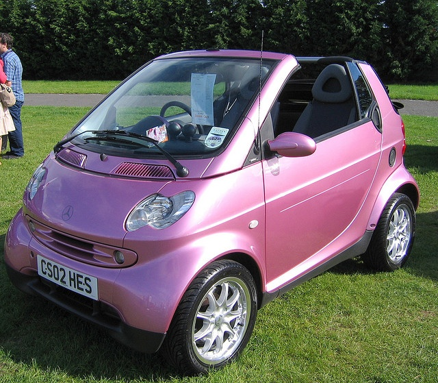 OMG PINK convertible smart car too cute!!