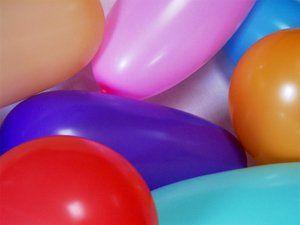 Ballon Spiele - Kindergeburtstag Spiele für drinnen und draußen