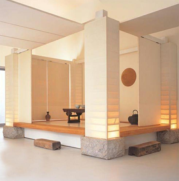 기둥의 조명 -> 프라 소재 벽면 이용하여 비슷한 느낌 낼 수 있을 듯 간접 조명으로 이용가능