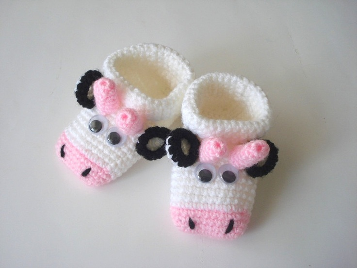 crochet baby shoes, pink Cows white baby shoes, Baby Booties slippers, animals crochet baby shoes booties 0 - 12 months, knitted slippers. $25.00, via Etsy.