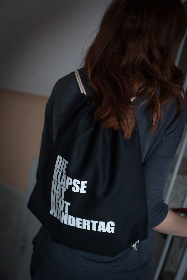 DIE KLAPSE HAT HEUT WANDERTAG - Gymbag, Turnbeutel // sports bag by The Essence of HASS via dawanda.com