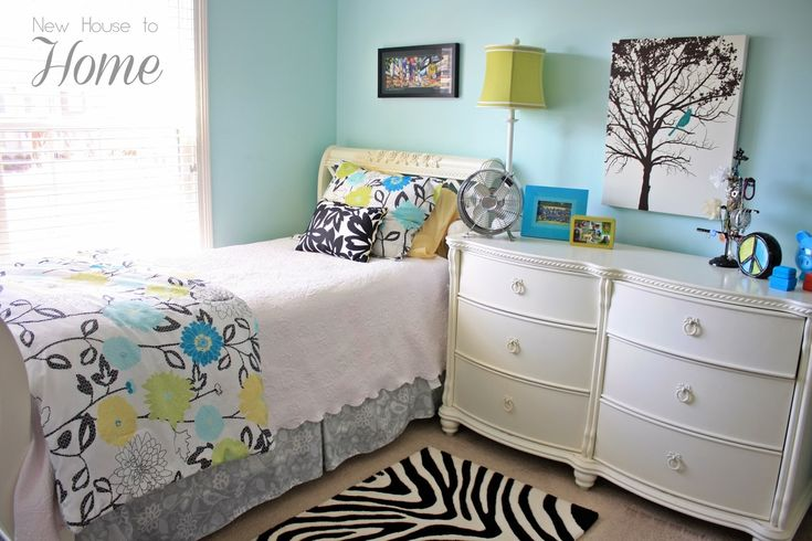 tween+girl+bedroom - love the tree & blue bird- perfect for my daughter's room- from new house to home blog