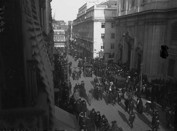 Lisboa, Páscoa de 1907 by Joshua Benoliel