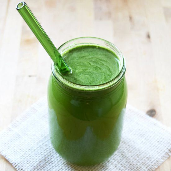 Delicious green juice with apple, fennel, kale, cucumber, celery ...