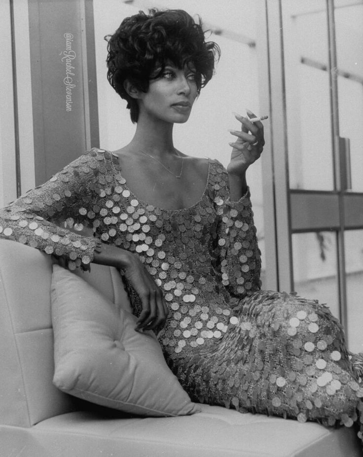 Wow Donyale Luna, model and actress. First black model to appear on the cover of Vogue.