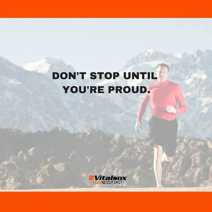 ワークアウト中のエネルギッシュな自分を鏡を見てください 毎日の自分を誇りに思え . Look in the mirror because that's who you're hustling for. Make yourself proud every day . 운동중의 정력적인 자신을 거울을 봐보세요  매일의 자신을 자랑스럽게 생각하세요 . #バイタルソックス #ランニング #トレーニング #ジム #ダイエット #ワークアウト #筋トレ #フィットネス #大阪マラソン #달리기 #마라톤 #다이어트 #스포츠 #운동하는여자 #일상 #다이어트 #운동스타그램 #arcositaly #arcosjapan  #running #marathon #workout #fitness #instadaily #diet #sports #fitnessmotivation