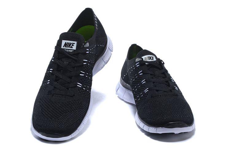 http://www.saifqatar.com/Nike-Free-Flyknit-NSW-Svart-8423/  Ultralett fleksibilitet Nike Free Flyknit 5.0 fortsetter Flyknit-tradisjonen med en vevd overside som gir optimal ventilasjon og lettvektskomfort ved hvert steg. Flywire-kabler gir støtte uten ekstra vekt, mens den fleksible Nike Free-sålen gir deg en naturlig følelse på en hvilken som helst distanse.