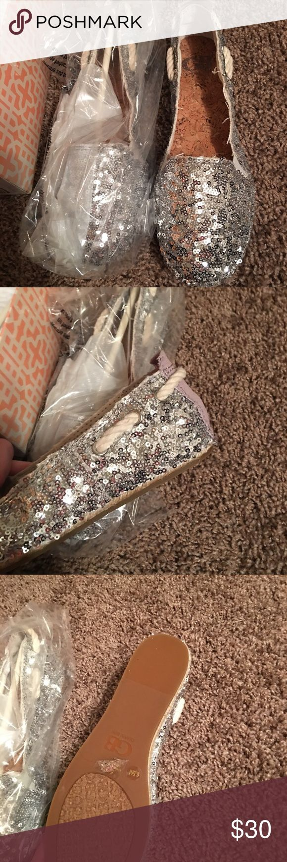 Gianni Bini Sequin Deck Shoes Gianni Bini Sequin Deck Shoes—New Never Worn Gianni Bini Shoes Flats & Loafers