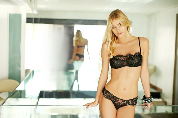 #valery #FW #lingerie #loveforlingerie #black #lace #flower #blond #model #luxury #glamouros #madeinitaly