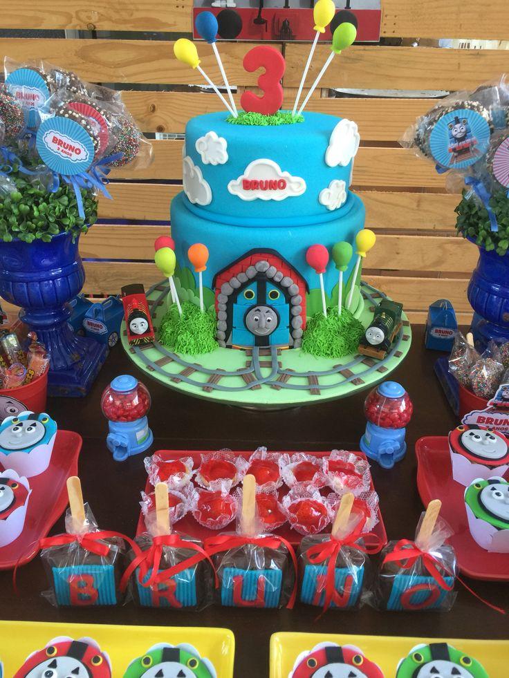Thomas and friends cake - Thomas e seus amigos bolo