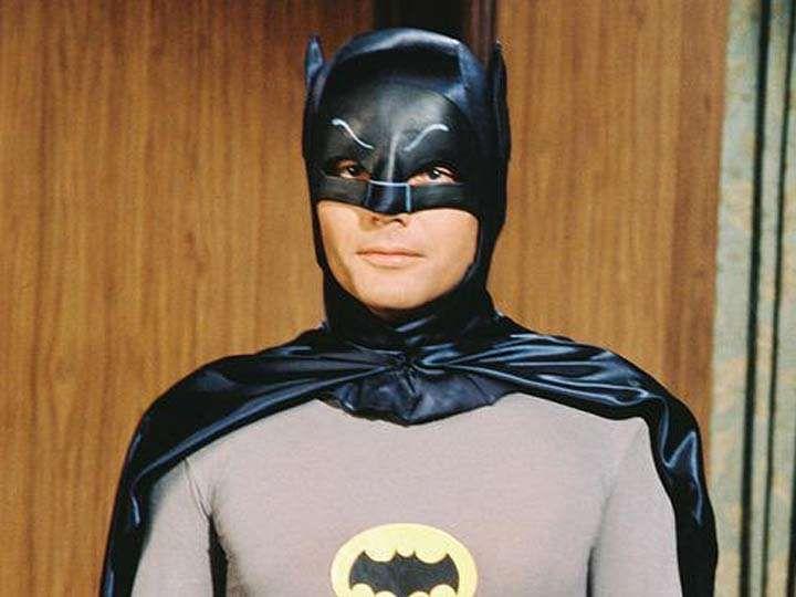 West dio vida a 'Batman' en la serie de los 60, prestó su voz para el alcalde Quahog de la serie 'Family Guy' y realizó una aparición especial en 'The Big Bang Theory'. (Fotos: IMDb)