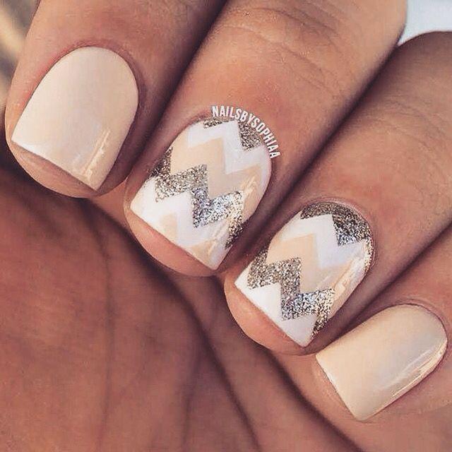 Nude Biege, White & Silver Sparkles. Chevron nails #nails #mani #manicure | 80 Nail Designs For Short Nails