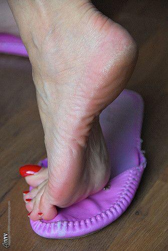 611 best Mature feet pies de maduras images on Pinterest