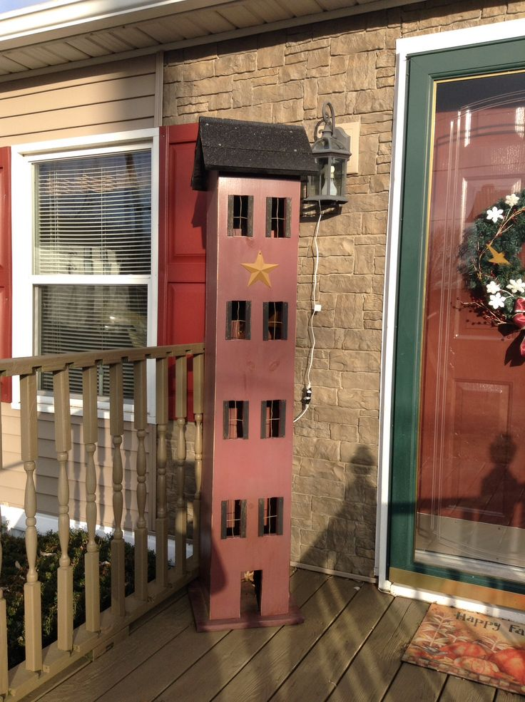 O! MY! GOODNESS! I SO LOVE THIS! Maybe at out front door? ;) Primitive Shaker House