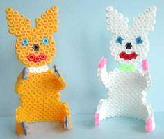 Easter bunnies Nabbi perler beads by Emos Pärlkonst - Pattern: https://www.pinterest.com/pin/374291419007258095/