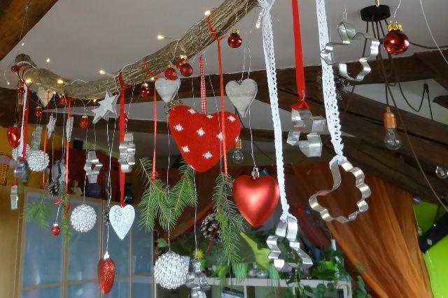 DIY vánoční větev   Retro šaty Blanka Straka http://www.blog.blankastraka.cz/2015/12/diy-vanocni-vetev.html